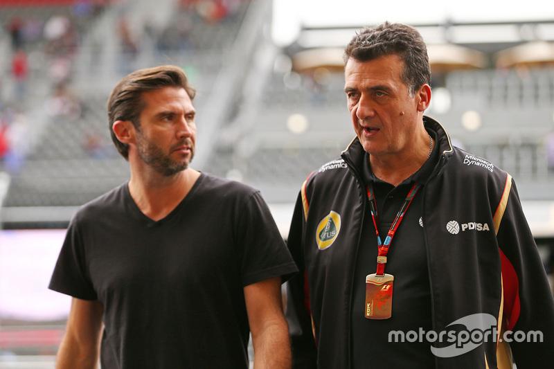 Matthew Carter, Lotus F1 Takımı CEO'su ile Federico Gastaldi, Lotus F1 Takımı Yardımcı Takım Başkanı