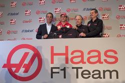 Carlos Slim, Vorsitzender von América Móvil, Esteban Gutiérrez, Haas F1 Team, Gene Haas, Teambesitze