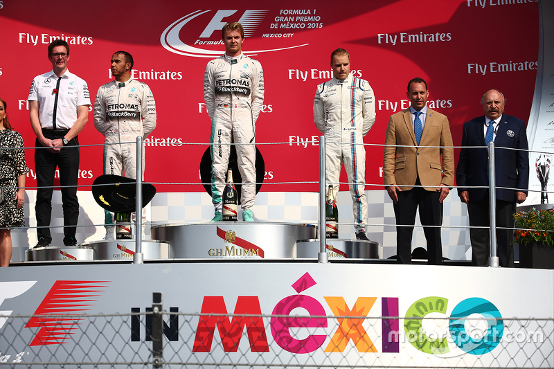 Podium: Race winner Nico Rosberg, Mercedes AMG F1 W06, second place Lewis Hamilton, Mercedes AMG F1 W06 and third place Valtteri Bottas, Williams FW38