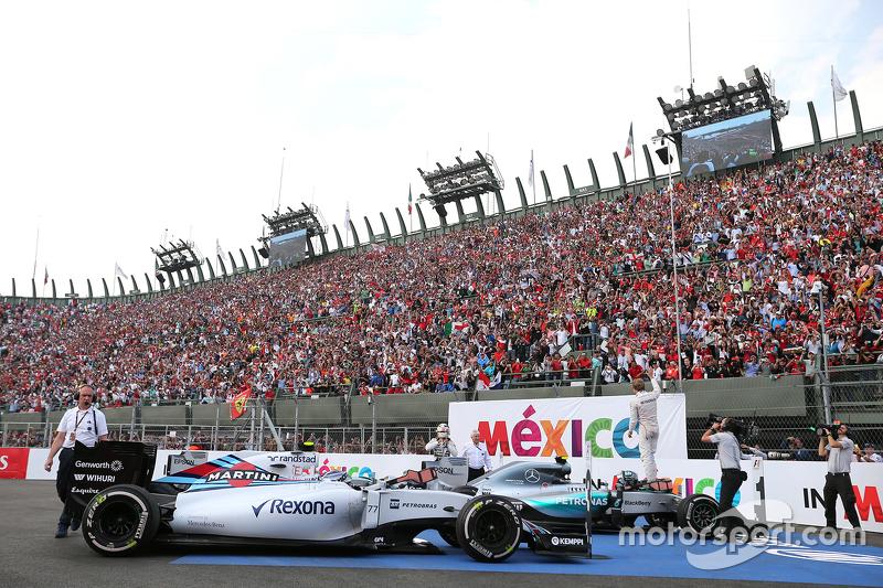 Nico Rosberg, Mercedes AMG F1 Team, Lewis Hamilton, Mercedes AMG F1 Team e Valtteri Bottas, Williams F1 Team