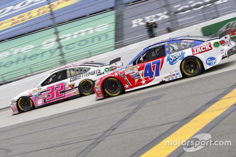 Kyle Fowler, Go FAS Racing Ford and A.J. Allmendinger, JTG Daugherty Racing Chevrolet
