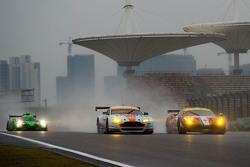 #98 阿斯顿马丁车队 阿斯顿马丁V8 Vantage GTE:保罗·德拉拉纳、佩德罗·拉米、马蒂亚斯·劳达;#83 AF Corse车队 法拉利458 GTE:伊曼纽尔·克拉德、弗朗索瓦·佩罗多