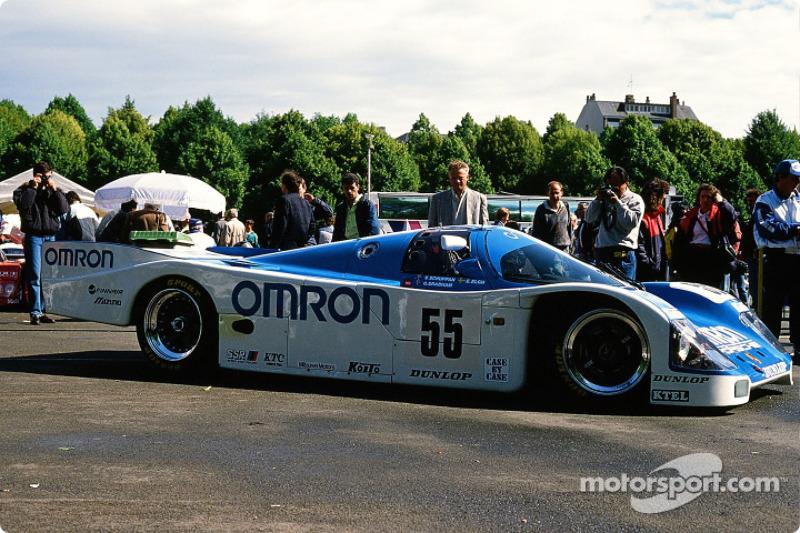 #55 Omron Team Schuppan Porsche 962 C: Верн Шуппан, Ейє Елх, Гарі Бребем