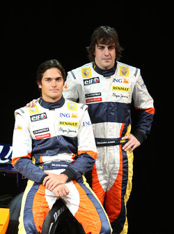 Nelson A. Piquet, Renault F1 Team, Fernando Alonso, Renault F1 Team