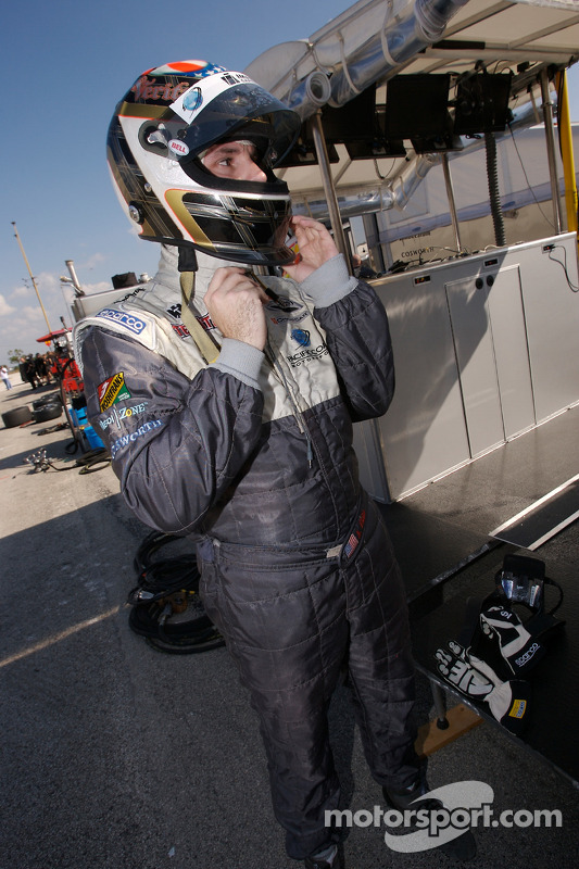Pitstop pour Tim Steele