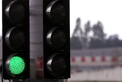 Pitlane green lights