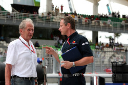 Motorsport consultant of Red Bull Helmut Marko and team manager Jonathan Wheatley