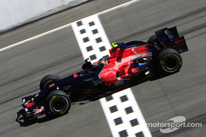 2008 : Toro Rosso STR2B, à moteur Ferrari
