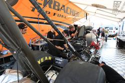 Urs Erbacher crew readies between rounds