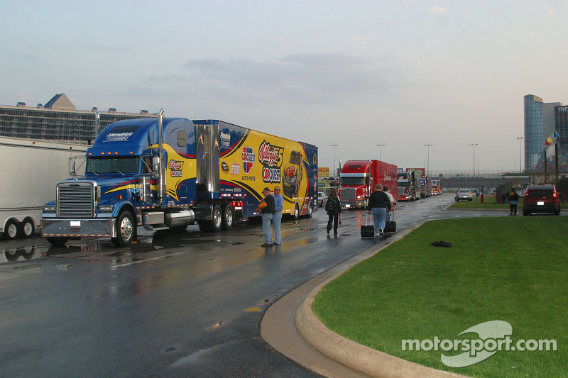 Nascar sprint cup haulers enter texas motor speedway at texas for What motor does nascar use