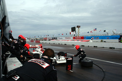 Pit stop for Helio Castroneves