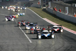 Start: #8 Team Peugeot Total Peugeot 908 HDi-FAP: Stéphane Sarrazin, Pedro Lamy leads the field