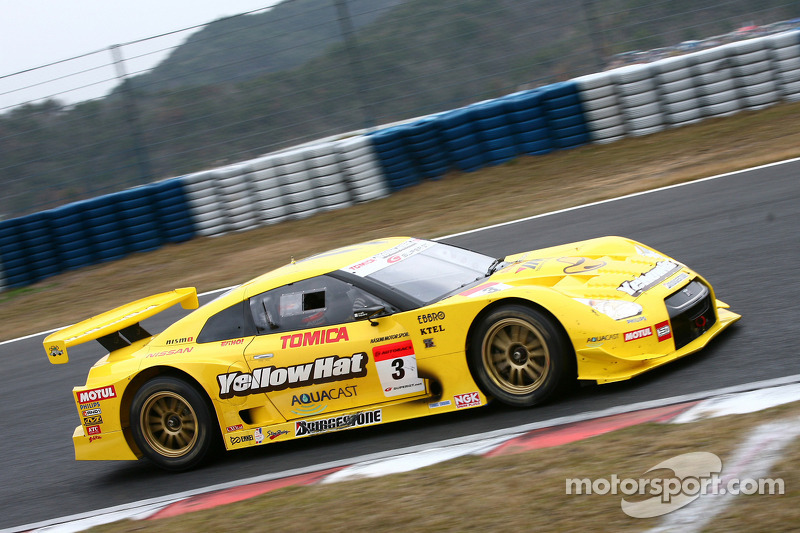 3 YellowHat Yms Tomica GT-R  Ronnie Quintarelli e563b87078e