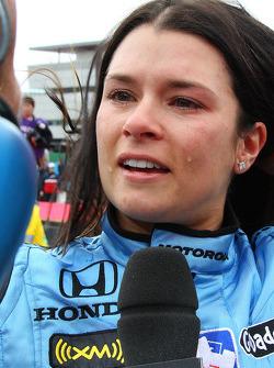 Ganador de la carrera Danica Patrick en una entrevista