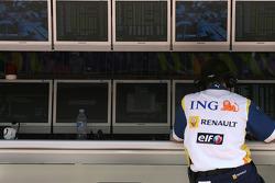 Renault F1 Team engineer
