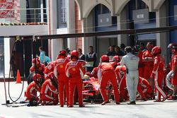 Felipe Massa, Scuderia Ferrari, F2008 pit stop