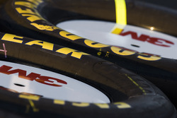 The tires of the 3M crew