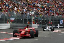Felipe Massa, Scuderia Ferrari, F2008 leads Robert Kubica,  BMW Sauber F1 Team