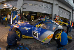 Pit stop for #64 ORMS Racing BMW Z4M: Marko Hartung, Stefan Neuberger, Frank Engstler
