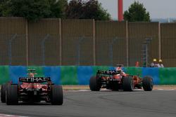 Kimi Raikkonen, Scuderia Ferrari, y Felipe Massa, Scuderia Ferrari