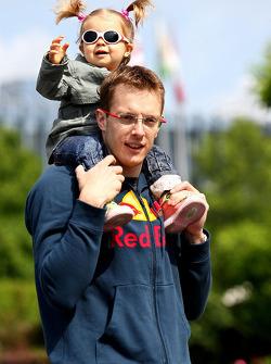 Sébastien Bourdais, Scuderia Toro Rosso with his daughter Emma
