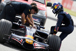 David Coulthard, Red Bull Racing, after stopping on circuit