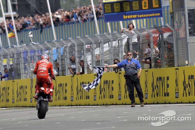 2008 : Кейсі Стоунер (Ducati Marlboro Team)