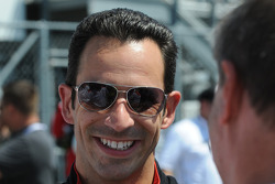 Helio Castroneves in good spirits despite his mechanical failure