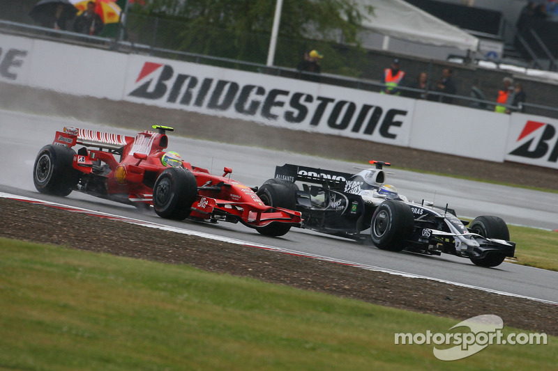 Felipe Massa, Scuderia Ferrari, F2008 and Nico Rosberg, WilliamsF1 Team, FW30