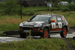 #9 Porsche Cars Great Britain Porsche Cayenne S Transsyberia: Martin Rowe and Richard Tuthill