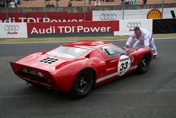 #33 Ford GT 40 1965: Richard Meins