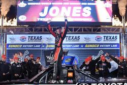 Race winner Erik Jones, Kyle Busch Motorsports