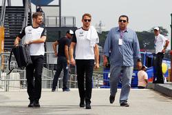 Jenson Button, McLaren con Mike Collier, Entrenador personal de Jenson Button, McLaren