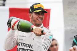 Подиум: второе место - Льюис Хэмилтон, Mercedes AMG F1 W06
