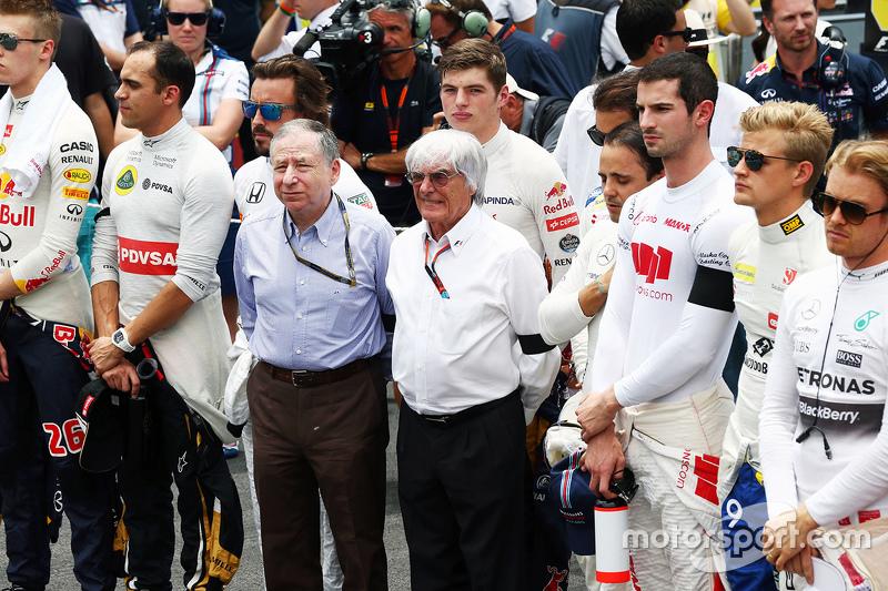 FIA-Präsident Jean Todt und Bernie Ecclestone bei der Schweigeminute für die Terroropfer in Paris