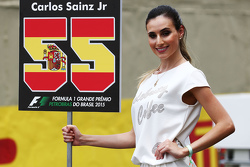 Grid girl para Carlos Sainz Jr., Scuderia Toro Rosso