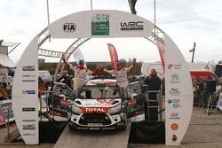 Podio: secondi Kris Meeke e Paul Nagle, Citroën World Rally Team