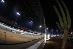 Landon Cassill, Hillman Circle Sport LLC Chevrolet; Ricky Stenhouse Jr., Roush Fenway Racing Ford