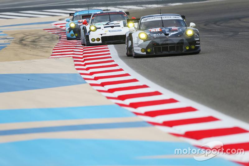 #88 Abu Dhabi Proton Competition, Porsche 911 RSR: Marco Mapelli, Khaled Al Qubaisi, Klaus Bachler