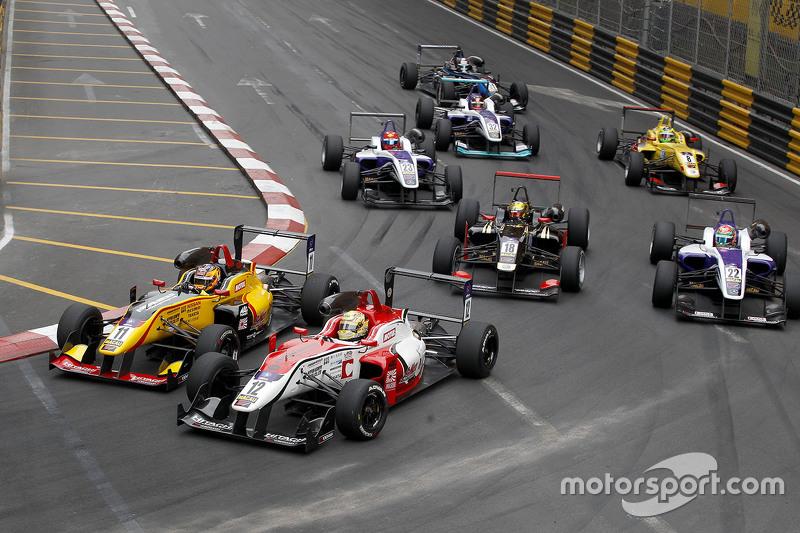 Mitsunori Takaboshi, B-Max Racing Team, Dallara Toyota; Yuhi Sekiguchi, B-Max Racing Team, Dallara T