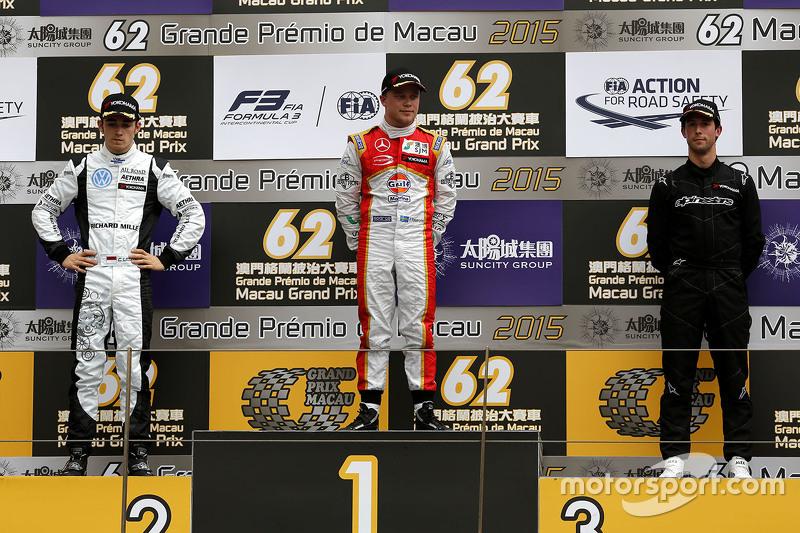 Podium: 1. Felix Rosenqvist, Prema Powerteam; 2. Charles Leclerc, Van Amersfoort Racing; 3. Alexander Sims, Double R Racing