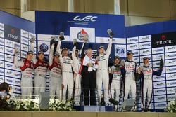 Podium: 1. Romain Dumas, Neel Jani, Marc Lieb, Porsche Team; 2. Marcel Fässler, Andre Lotterer, Benoit Tréluyer, Audi Sport Team Joest; 3. Alexander Wurz, Stéphane Sarrazin, Mike Conway, Toyota Racing