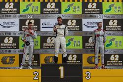 Podium: winnaar Maro Engel, Mercedes AMG Driving Academy, tweede plaats Edoardo Mortara, Audi Sport Team Phoenix, derde plaats René Rast, Audi Sport Team WRT