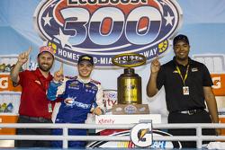 Переможець Кайл Ларсон, Hscott Motorsports Chevrolet