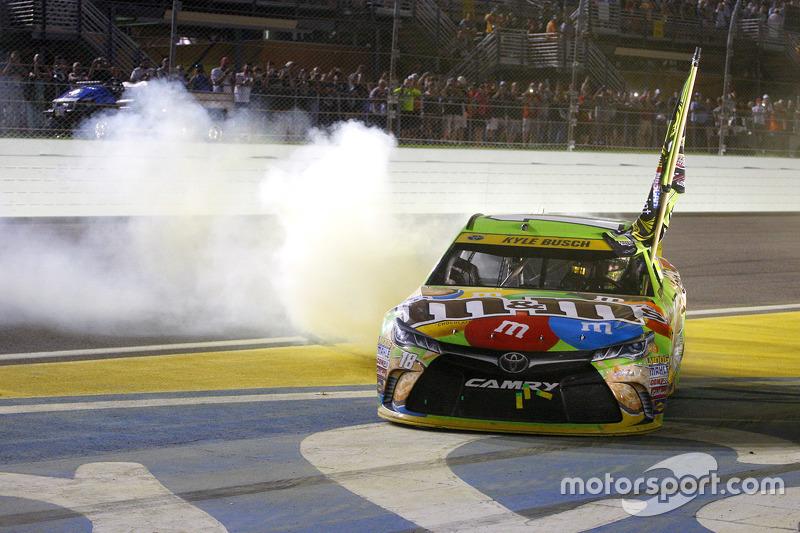 NASCAR - Le Champion NASCAR Sprint Cup Series 2015 Kyle Busch, Joe Gibbs Racing