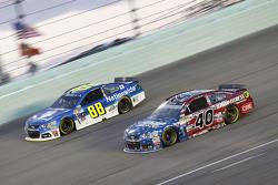 Dale Earnhardt Jr., Hendrick Motorsports Chevrolet; Landon Cassill, Hillman Circle Sport LLC Chevrolet