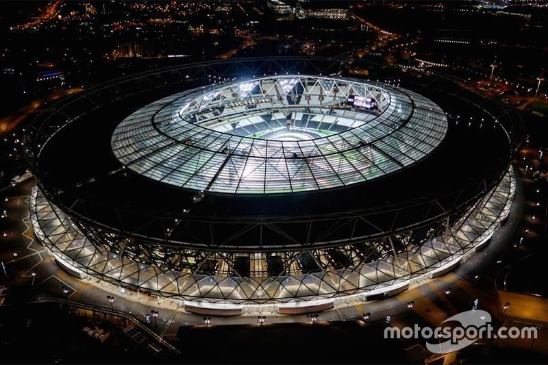 2015: Олимпийский стадион, Лондон