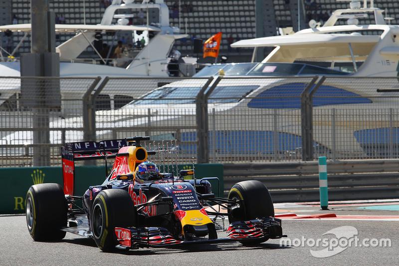 Daniel Ricciardo, Red Bull Racing RB11 running sensor equipment