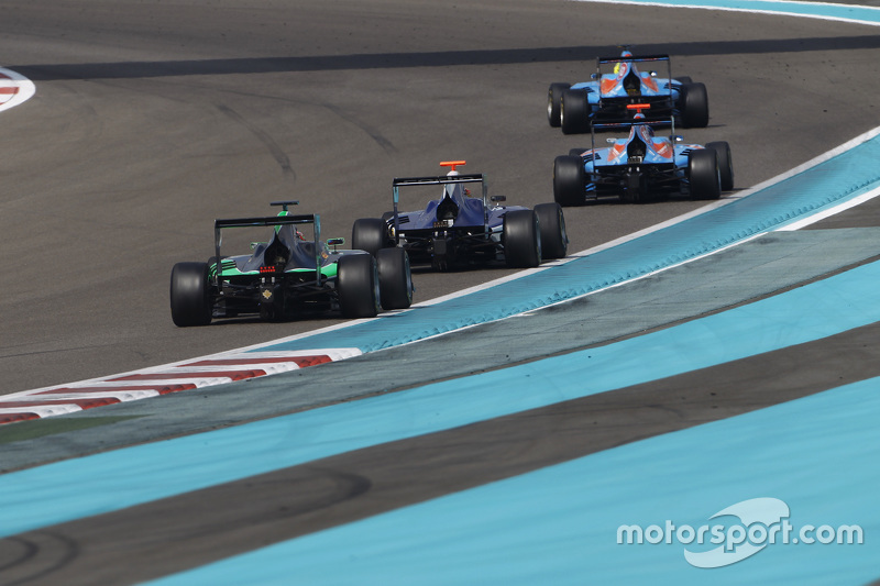 Пел Вархауг, Jenzer Motorsport, лідирує Ральф Бошунг, Jenzer Motorsport, Мітч Гілберт, Carlin та Се