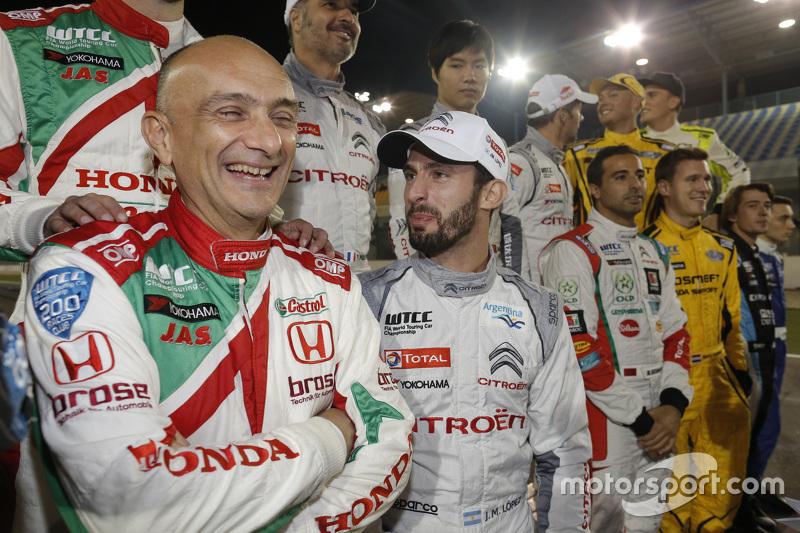Gabriele Tarquini, Honda Civic WTCC, Honda Racing Team JAS; Jose Maria Lopez, Citroën C-Elysée WTCC,